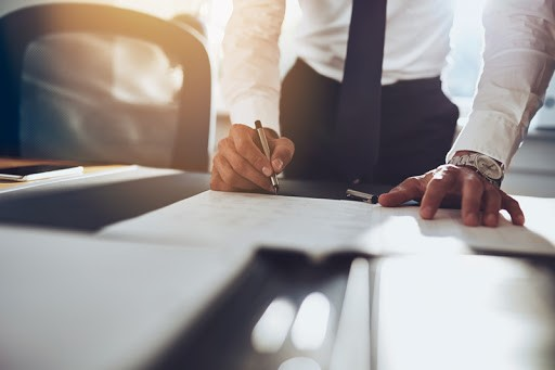 Tips to Choose the Right Commercial Solicitors